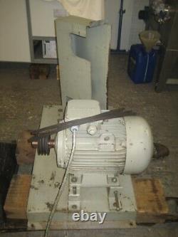 CAMAK 11kW Electric Motor 3-Phase 1455RPM 380/415v, Base, Rails, Pulley, Belts