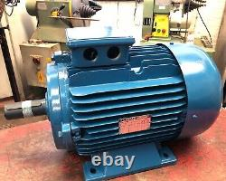 GAMAK 3-Phase Electric Motor 3kW 690RPM 8-Pole 132M Frame B3 Foot Three Phase
