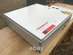 Schneider Electric MGBN6 12 Way Distribution Board TPN Three phase 3 MCB Switch