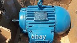 WEG Electric Motor Three Phase 4.4kw 5.5 hp new